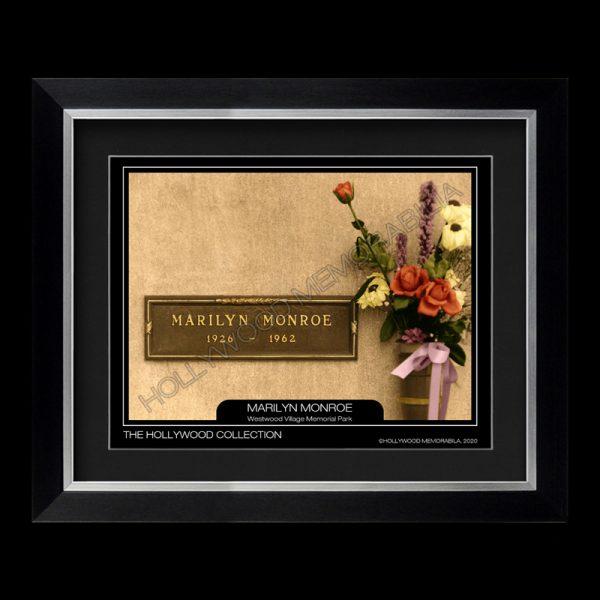 marilyn monroe grave photograph